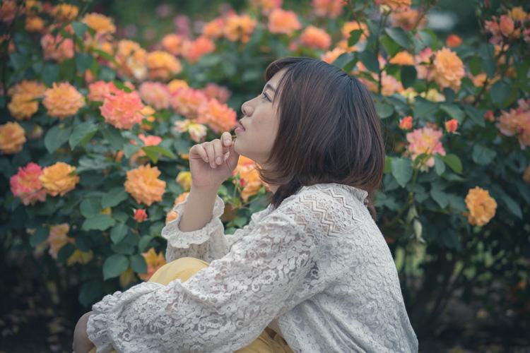 眩しい前を見つめる あなたを・もっと・知りたくて/京都植物園ポートレート